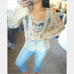 Boutique Cream Lace Long Sleeved Blouse